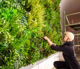 Vistagreen-artificial-green-wall-installation-living-wall-installation_Page_12_Image_0008