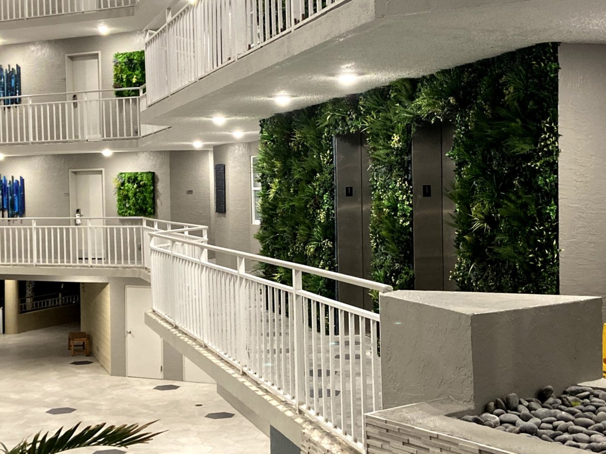 green-wall-manufacturer-living-wall-systems-contractors-vistagreen (10)