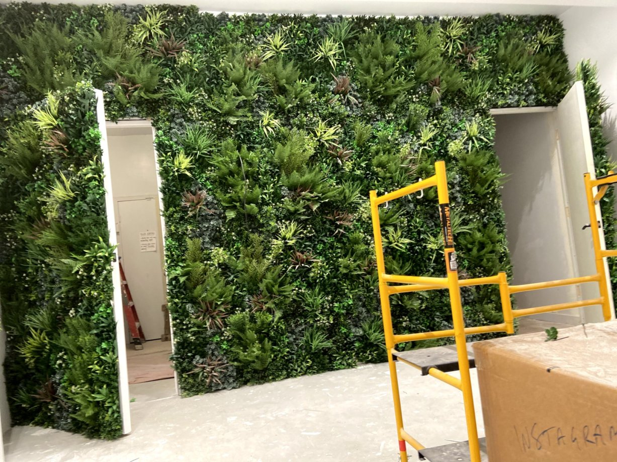 green-wall-manufacturer-living-wall-systems-contractors-vistagreen (4)