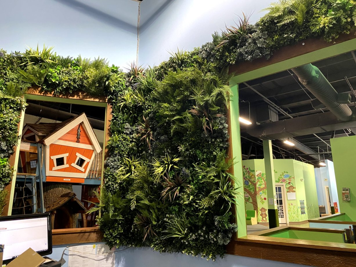 green-wall-manufacturer-living-wall-systems-contractors-vistagreen (5)